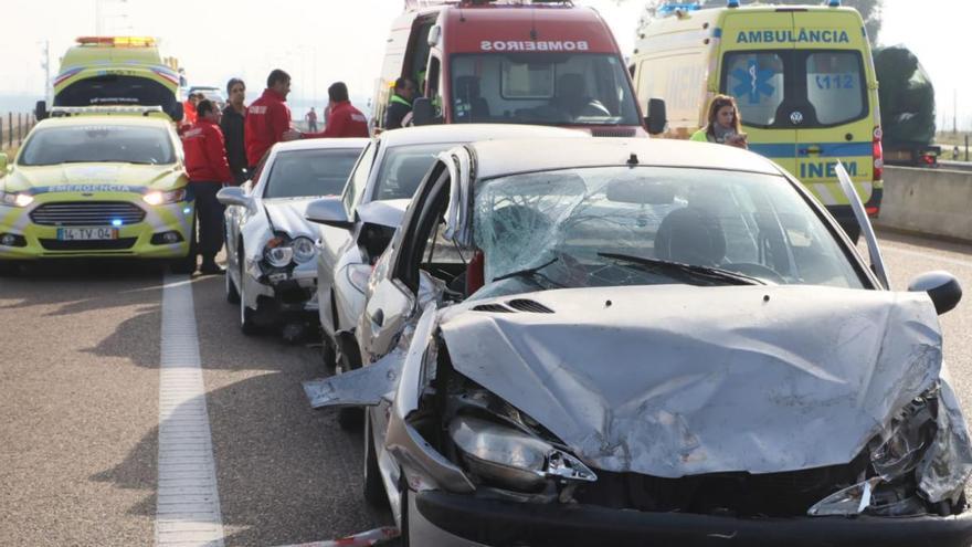 Las imágenes del accidente de tráfico entre Badajoz y Elvas