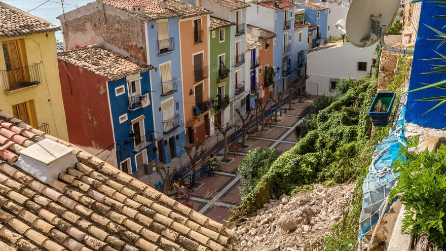 La Vila dará 50.000 euros en ayudas a vecinos de la calle Pal para pagar la rehabilitación del muro