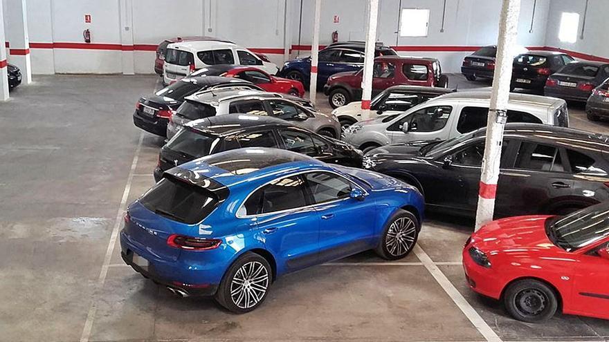 Una banda roba siete coches de alta gama de un aparcamiento de Manises