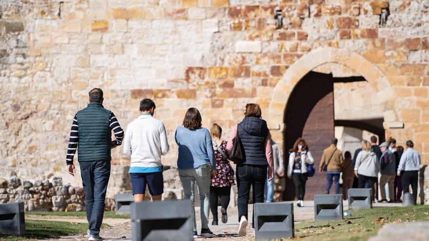 GALERÍA | Los turistas devuelven a Zamora durante el puente del Pilar el aspecto previo a la pandemia