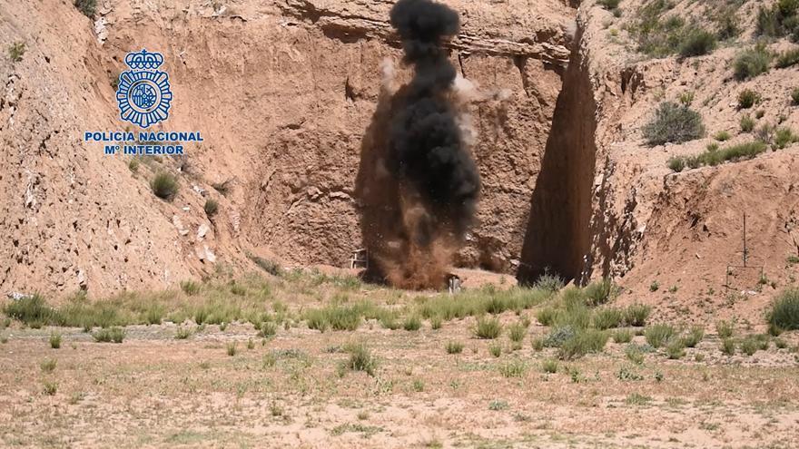 Los TEDAX hacen explotar en Lorca una granada de mortero