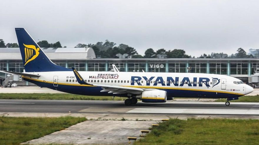 Ryanair multiplica sus vuelos en Santiago un año después de abandonar Vigo