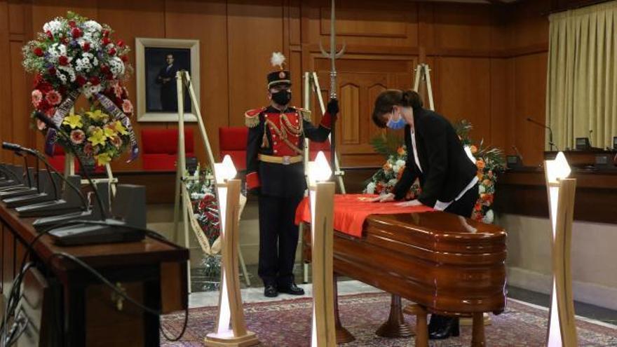 El Ayuntamiento cordobés acoge los restos de Anguita
