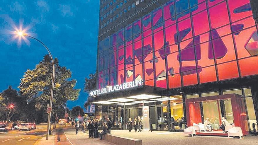 Sale a la venta el emblemático RIU Plaza Berlín, propiedad mayoritaria del grupo Pryconsa