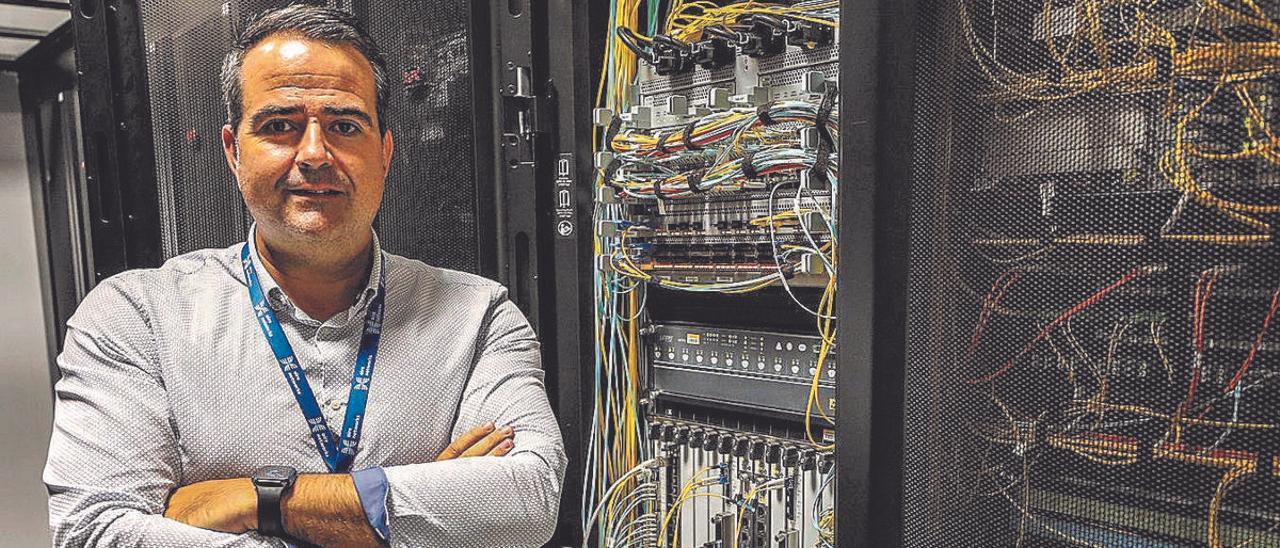 El CEO de Aire Networks, Raíl Aledo, en la sede de Elche.