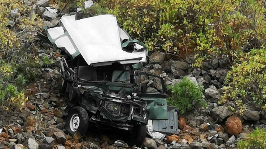 Un coche se precipita por un barranco en Gáldar (13/06/21)