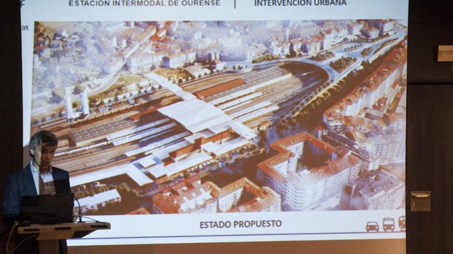 """Foster prepara para Ourense una estación intermodal """"para un millón de viajeros"""""""