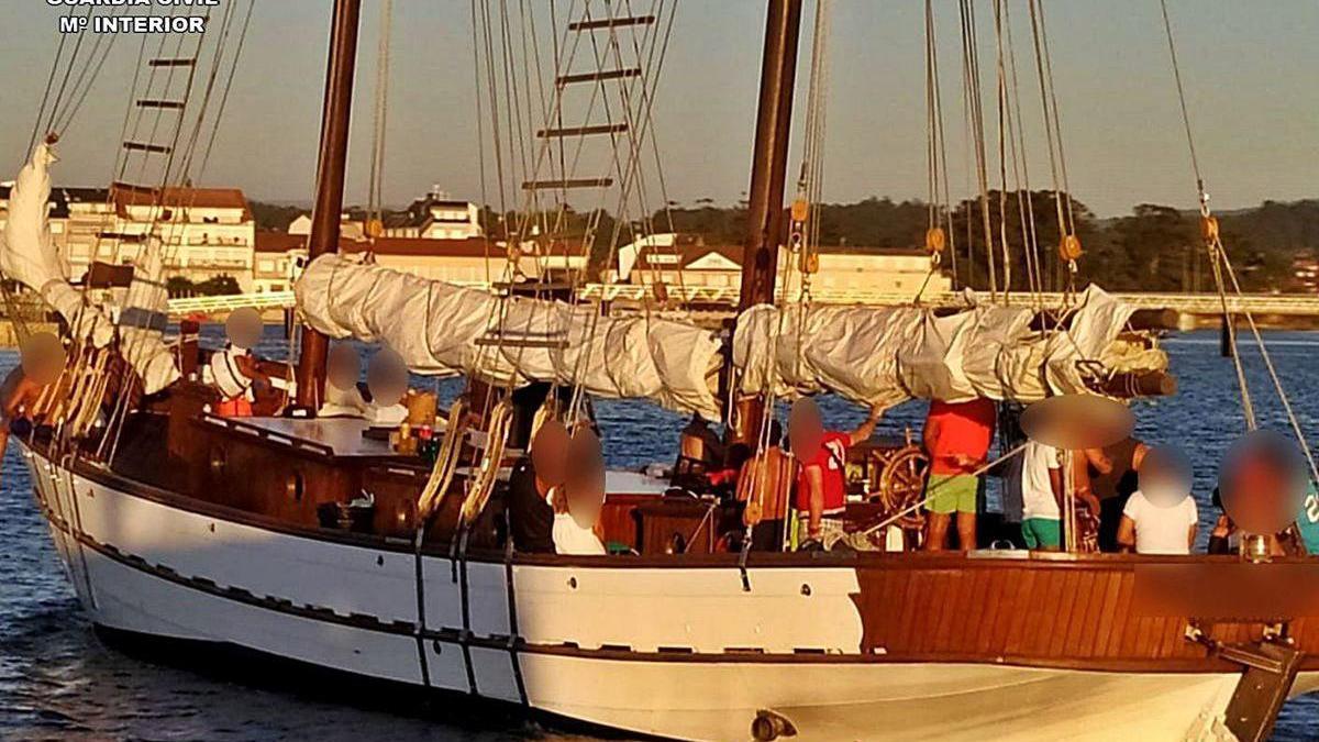Embarcación que fue devuelta a su puerto base en Vilanova tras la acción policial.