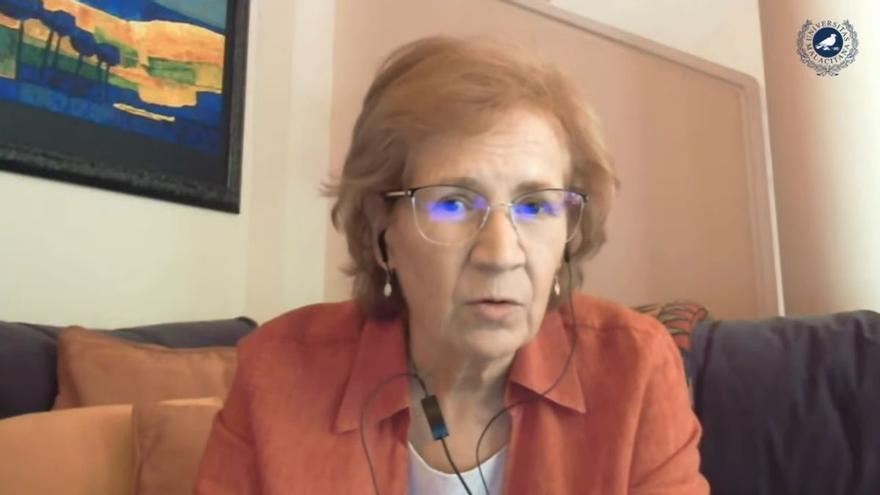 """Margarita del Val: """"No nos confiemos con tener vacunado al 70 % de la población"""""""