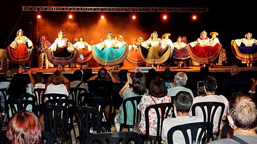 Sant Fruitós de Bages acull les danses de l'Equador dins les Jornades Internacionals Folklòriques