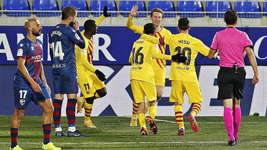 El Barcelona reacciona en Huesca