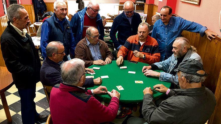 Das Kartenspiel für Schwindler auf Mallorca