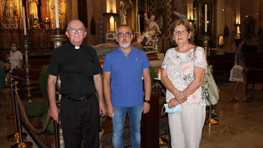 La parroquia de Sant Nicolau restaura la Virgen yacente y su tálamo