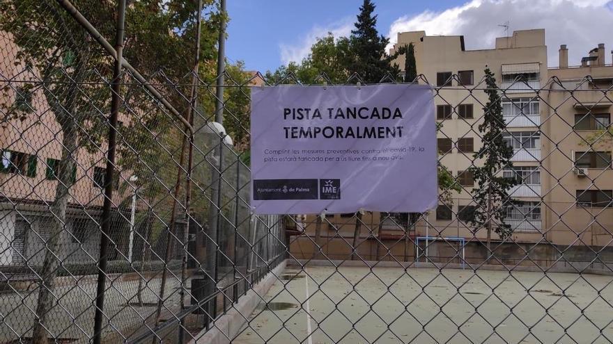 Palma cierra 27 pistas deportivas municipales para evitar contagios de covid