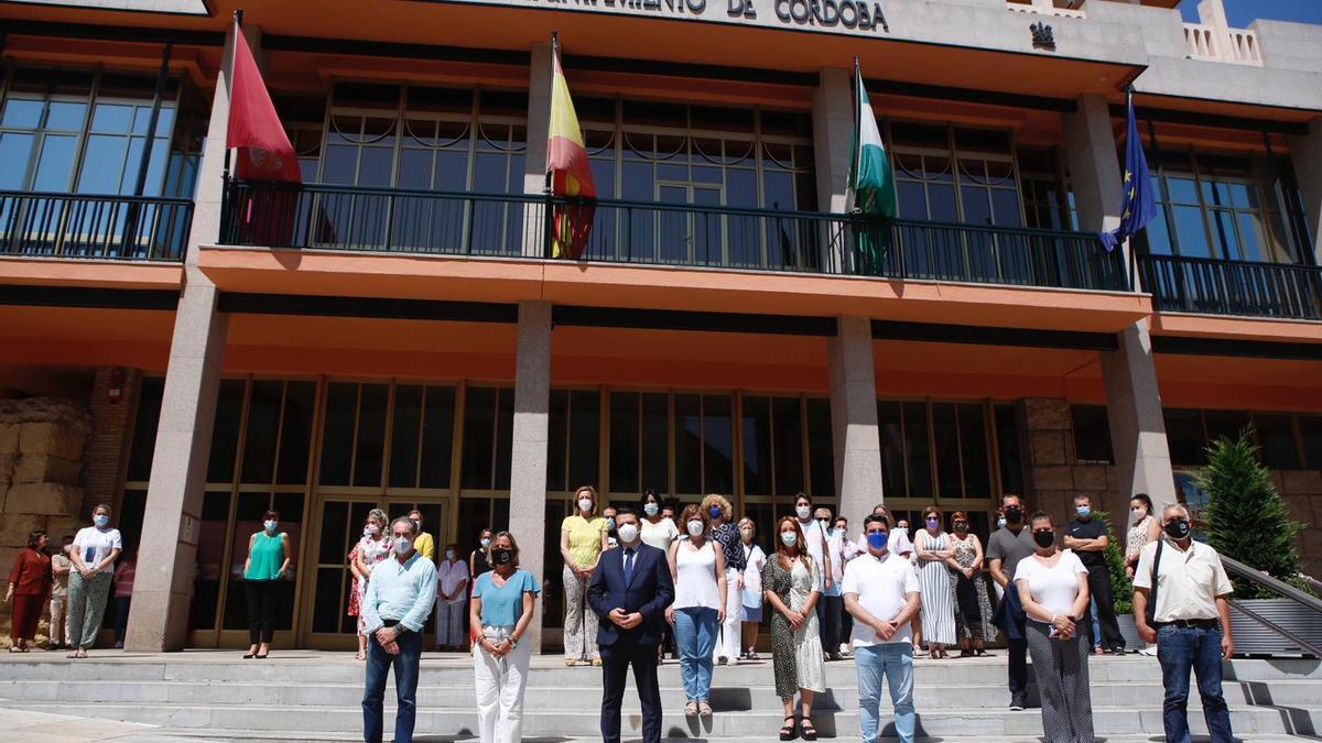 Concentración frente al Ayuntamiento de Córdoba.