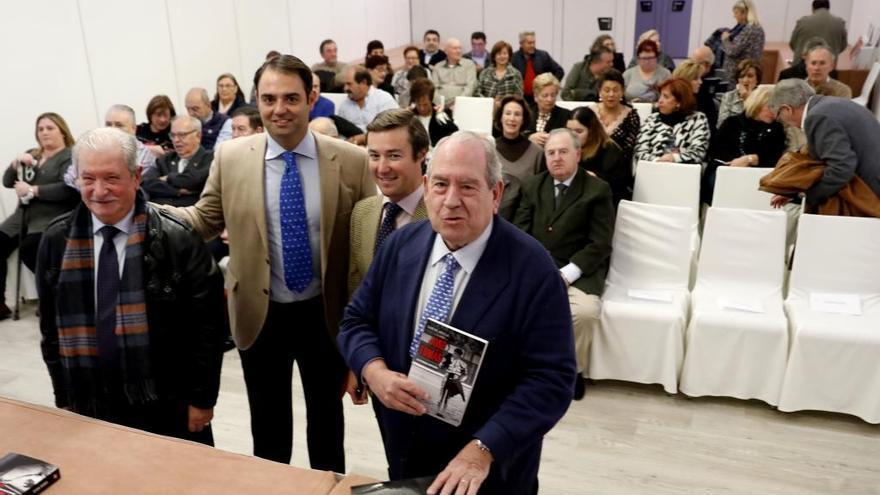 """Abella: """"Nunca ha habido una figura del toreo con tantos detractores como José Tomás"""""""