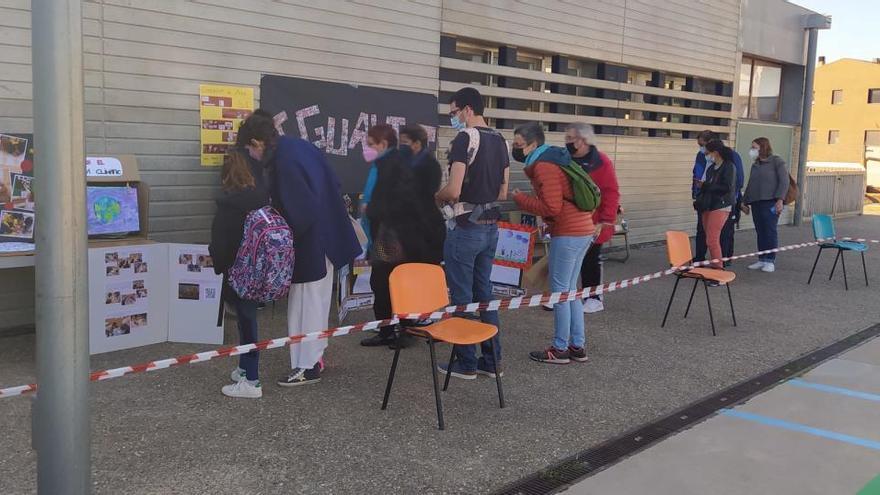 L'escola Amistat repensa Sant Jordi potenciant la perspectiva de gènere