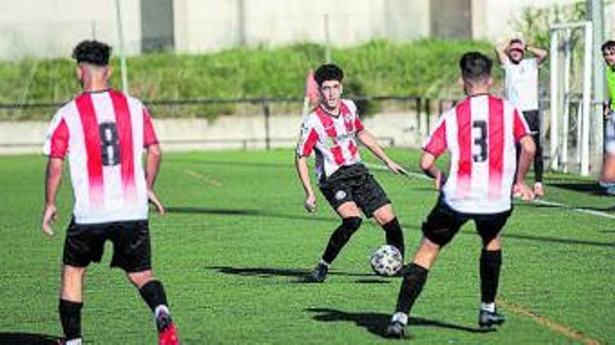 """El Zamora CF logra una victoria """"in extremis""""en Santa Marta (3-4) y el Racing Benavente cede en casa (1-3)"""