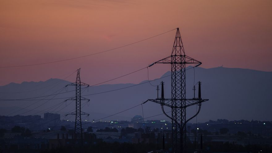 Podemos apremia al PSOE a crear la empresa pública de energía