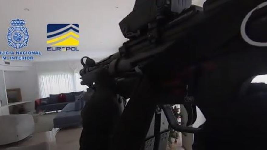 Detenidas 23 personas en una operación contra una red dedicada al blanqueo de dinero de mafias de origen ruso