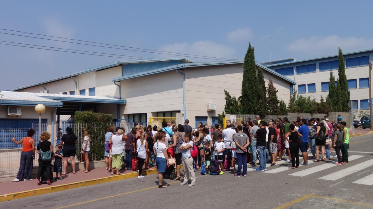 Imagen de archivo del Colegio Virgen del Rosario de Torrevieja