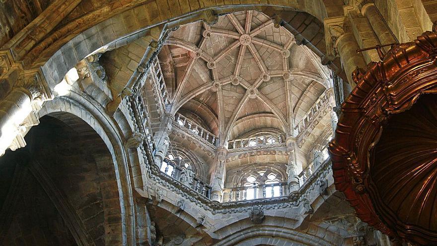 """El cimborrio gótico de la Catedral peligra y se deshace """"como arenisca"""", avisa el deán"""