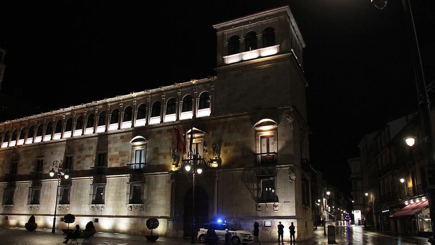 Dos denunciados por una fiesta en un piso de León a pesar del coronavirus