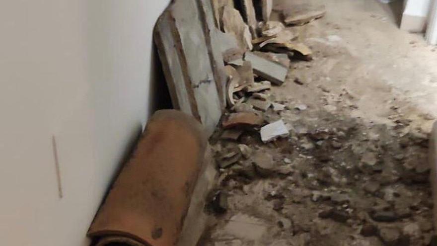 Desalojan cuatro viviendas en Palma por techos en mal estado