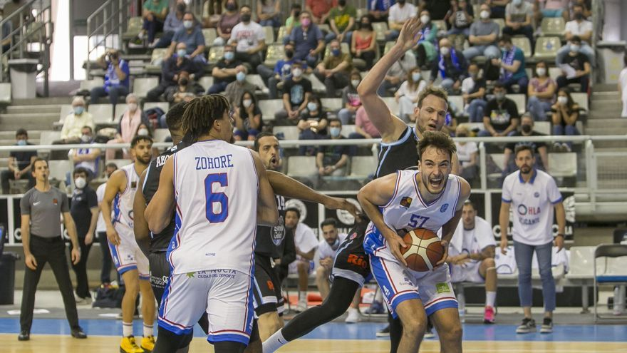 """El HLA vence al líder y presenta su candidatura para al """"play-off"""" por la ACB"""