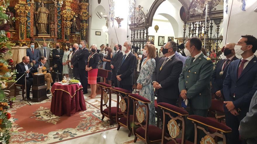 La gerente del hospital Reina Sofía protagoniza la ofrenda de los frutos a María Santísima de Araceli