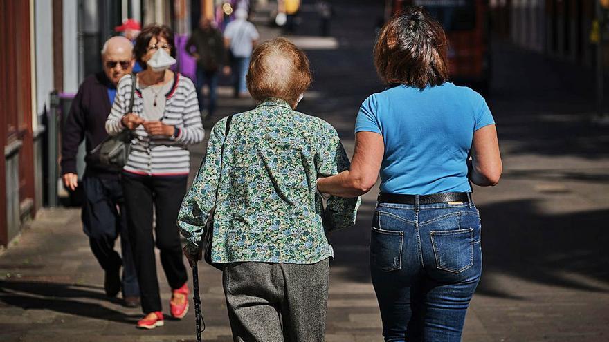 Canarias recibe 122 millones para mejorar la atención a la dependencia