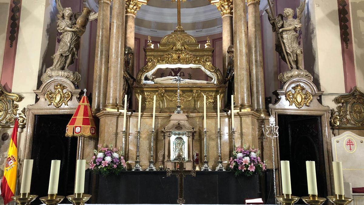 Insignias basilicales del Santo Sepulcro.