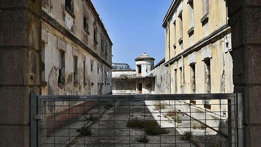 La cárcel ve la vida pasar