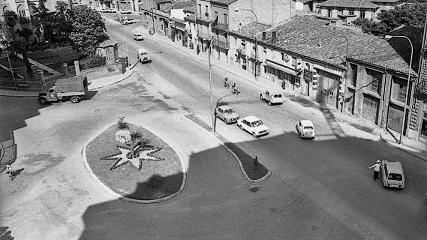 La plaça Bonavista, punt d'intersecció que té pendent el repte de ser espai de trobada