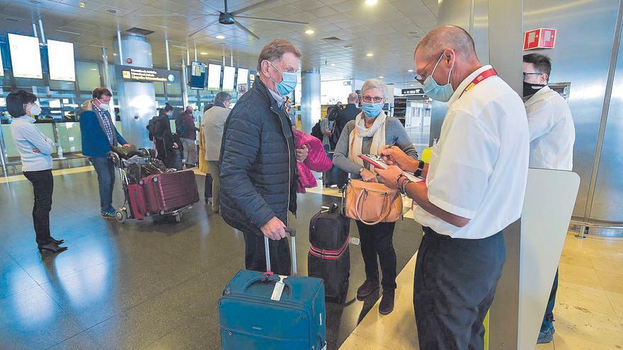 Reino Unido da vía libre a los viajes a Baleares y mantiene a Canarias en ámbar