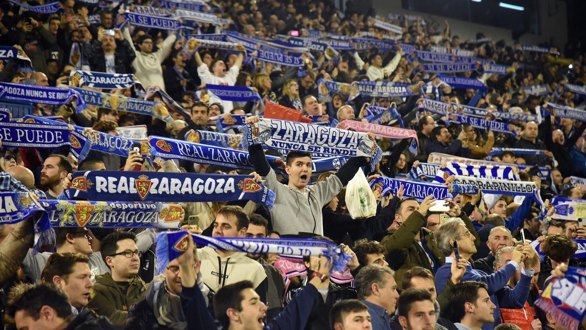 La afición zaragocista, durante el choque copero contra el Real Madrid, donde hubo lleno total