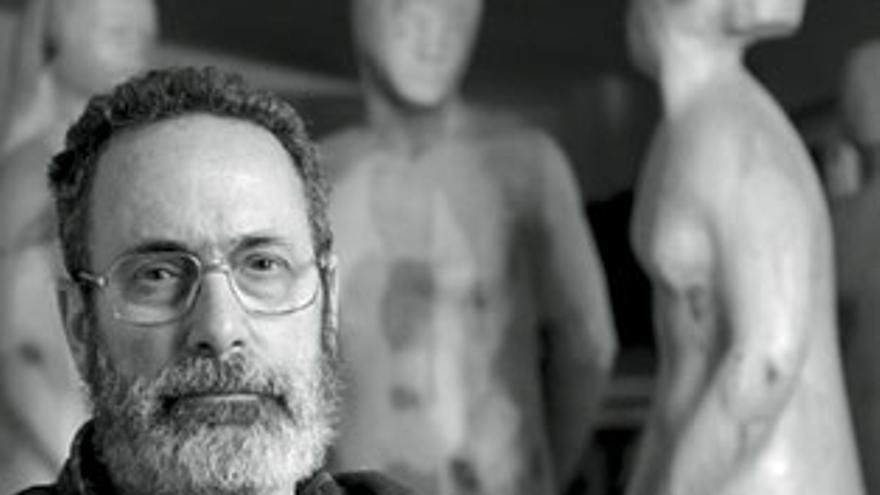 El Ayuntamiento compra doce piezas de la obra del escultor Félix Reyes