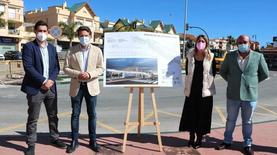 Torrox invertirá 314.000 euros en la remodelación de la estación de autobús y taxi