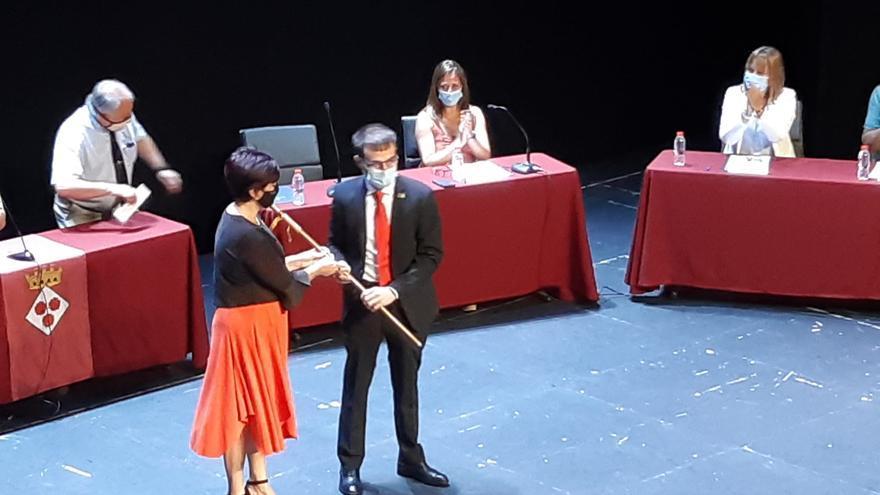 Joan Plana substitueix Montse Mindan a l'alcaldia de Roses en virtut del pacte de Canyelles