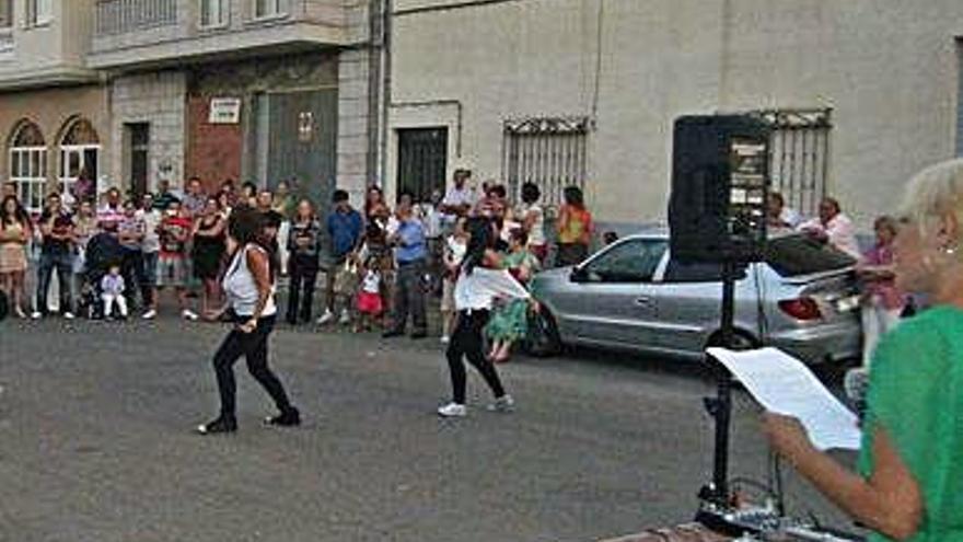 San Cristóbal renueva las luminarias de calle Benavente Alhóndiga y Fontanillas