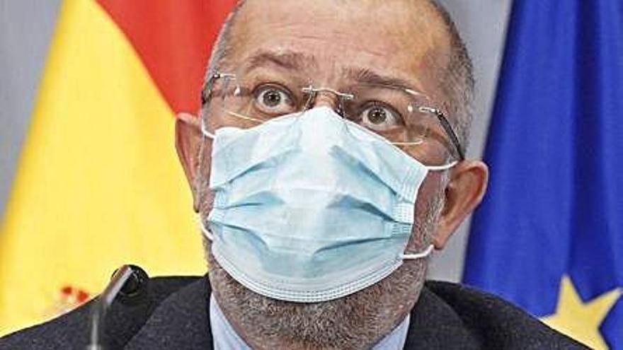 """Igea tilda de """"bochornoso"""" el plan  de Pedro Sánchez contra el COVID"""