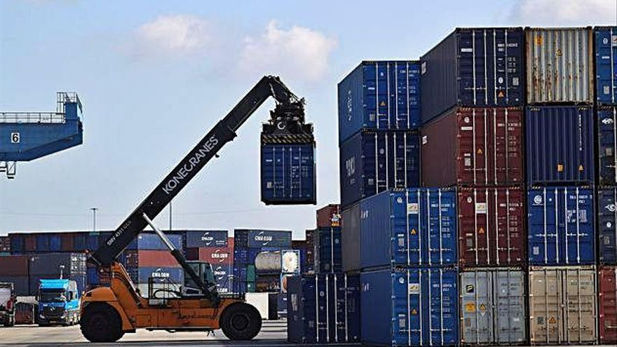 Els intercanvis comercials entre els països de la zona euro cauen el 6,6% en un any