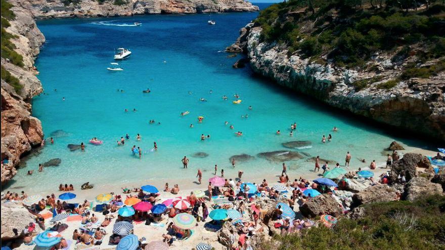 Lletra menuda | El disfrute privado de la playa pública