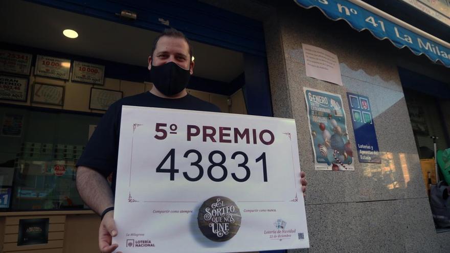 Un nuevo quinto premio, con el 43831, deja en la calle La Unión 60.000 euros