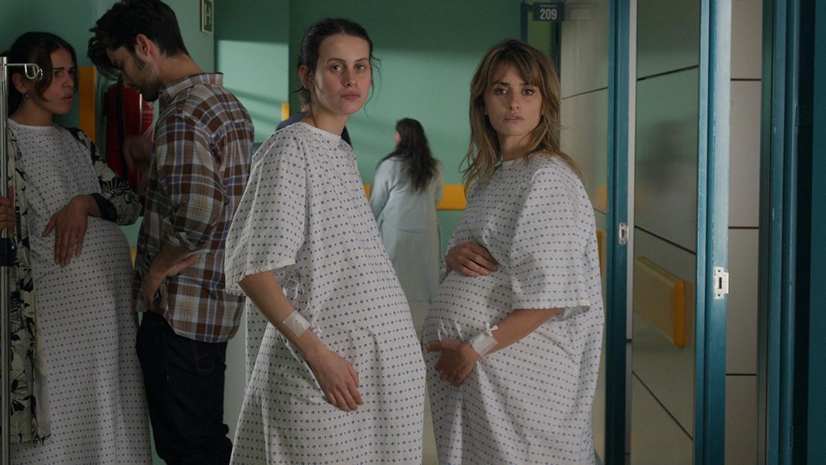 Escena de la nova pel·lícula de Almodóvar, 'Madres paralelas' - EL DESEO