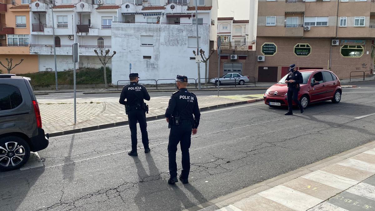 Policía Local controlando la zona de Pablo Iglesias, en una imagen de archivo.