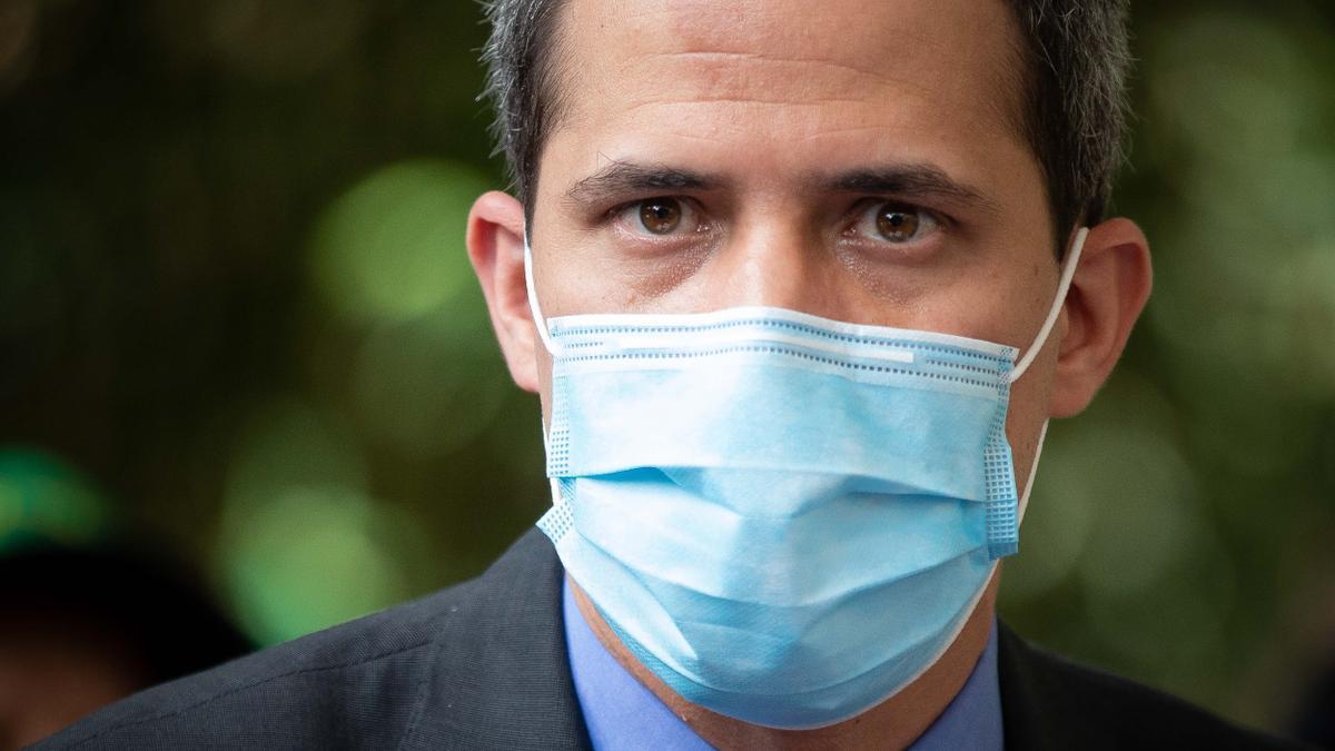El opositor Juan Guaidó denuncia que hay una persecución contra su partido