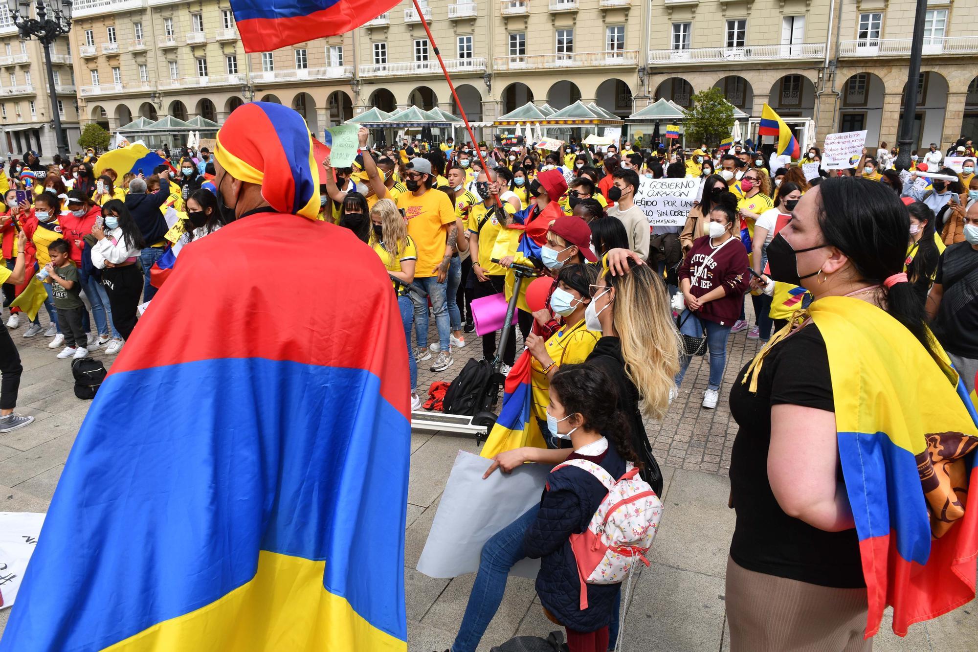 Los colombianos de A Coruña protestan por la violencia en su país