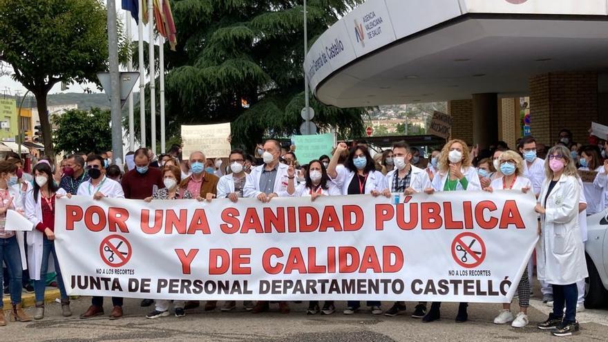 Manifestación por el recorte de los contratos covid en Castellón