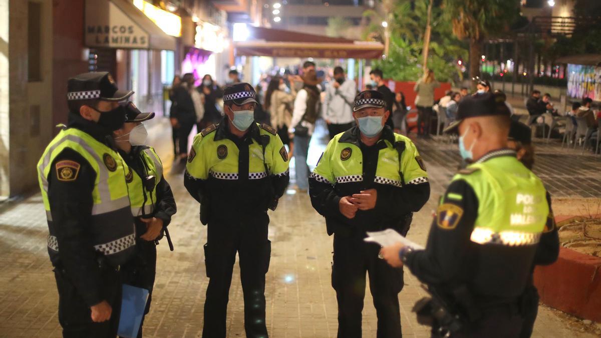 La Policía Local ha actuado sobre las reuniones privadas de más de seis personas
